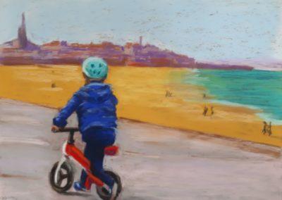 167i - vélo rouge et casque bleu